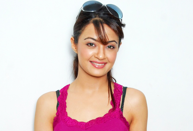 Surveen Chawla advised after being diagnosed malaria