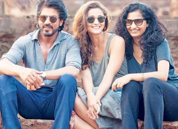 This slow motion video of Alia Bhatt and Gauri Shinde shot by SRK is hilarious way to celebrate happiness
