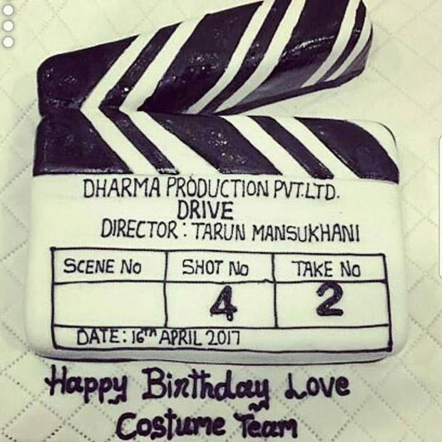 Check out Jacqueline Fernandez, Sushant Singh Rajput throw a wild birthday bash for Drive director Tarun Mansukhani  (4)