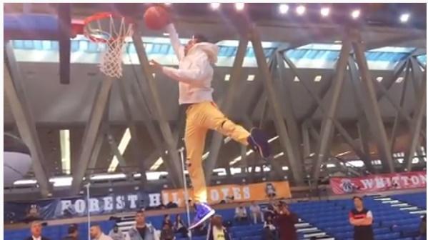 Watch Varun Dhawan's impressive slam dunk on the sets of Judwaa 2