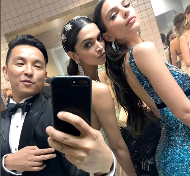 Bathroom diaries Deepika Padukone hangs out with Gone Girl actress Emily Ratajkowski at MET Gala 2017 1