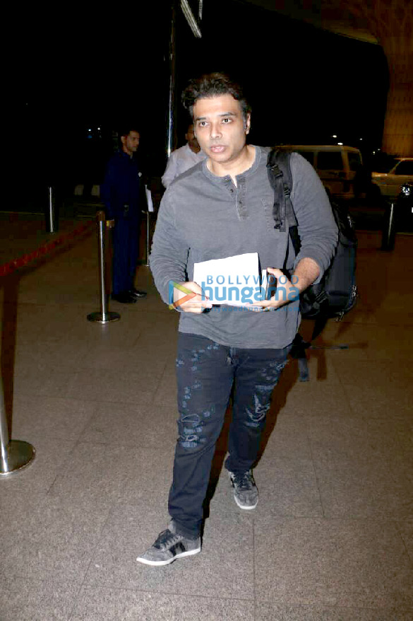 Caught red-handed This actress linked with Uday Chopra is hiding her face. Find out why!-1