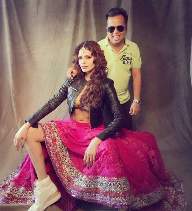 HOT! Sizzling Sherlyn Chopra poses in sexy choli and jacket