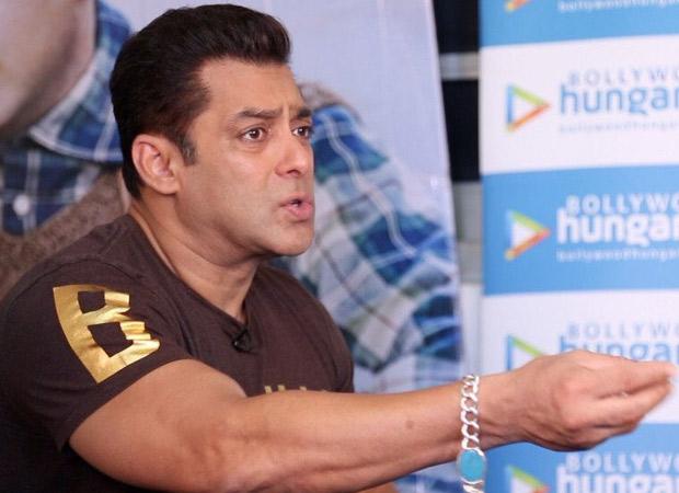 """Om Puri ji has a big and BEAUTIFUL role in Tubelight"" - Salman Khan025"
