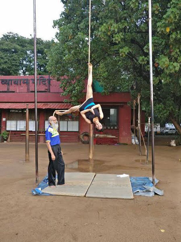 Adah-Sharma-displays-her-exceptional-'Malkhamb'-skills-1