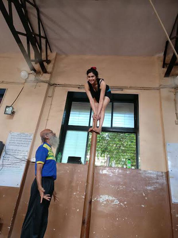 Adah Sharma displays her exceptional 'Malkhamb' skills-3