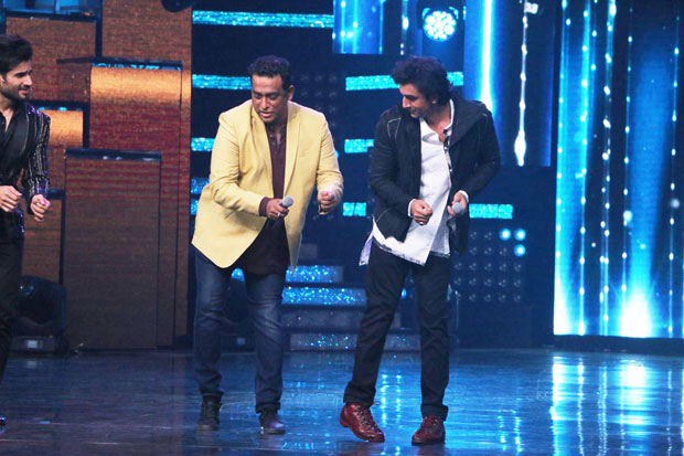 Ranbir Kapoor does some crazy stuff on the sets of Nach Baliye-1