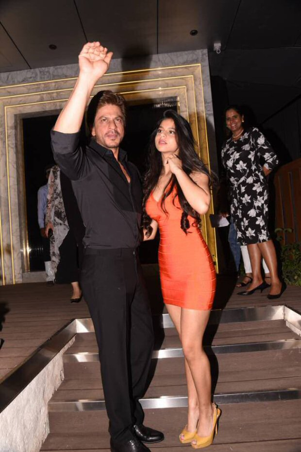Shah Rukh Khan's daughter Suhana Khan steals the limelight at Gauri Khan's restaurant opening-2