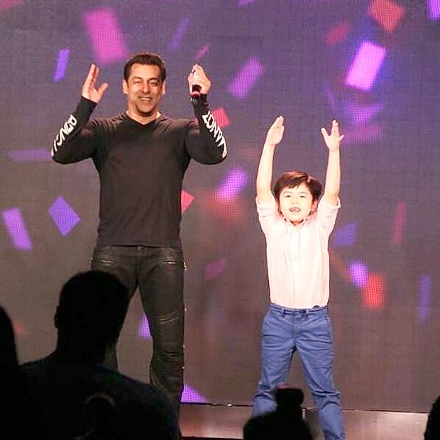 WATCH Salman Khan's little co-star Matin Rey Tangu shakes his leg on Radio song during Tubelight promotions-1