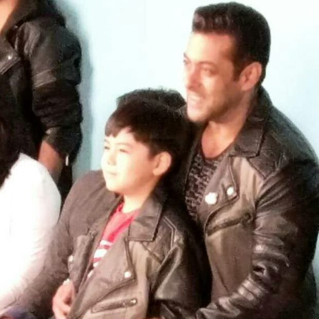 OMG! Salman Khan and THIS STAR pose for the cameras wearing similar jackets!