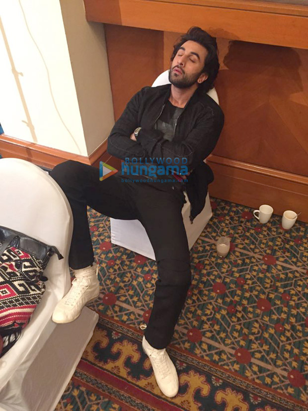 OMG! This is what Ranbir Kapoor does when Katrina Kaif is not around!1
