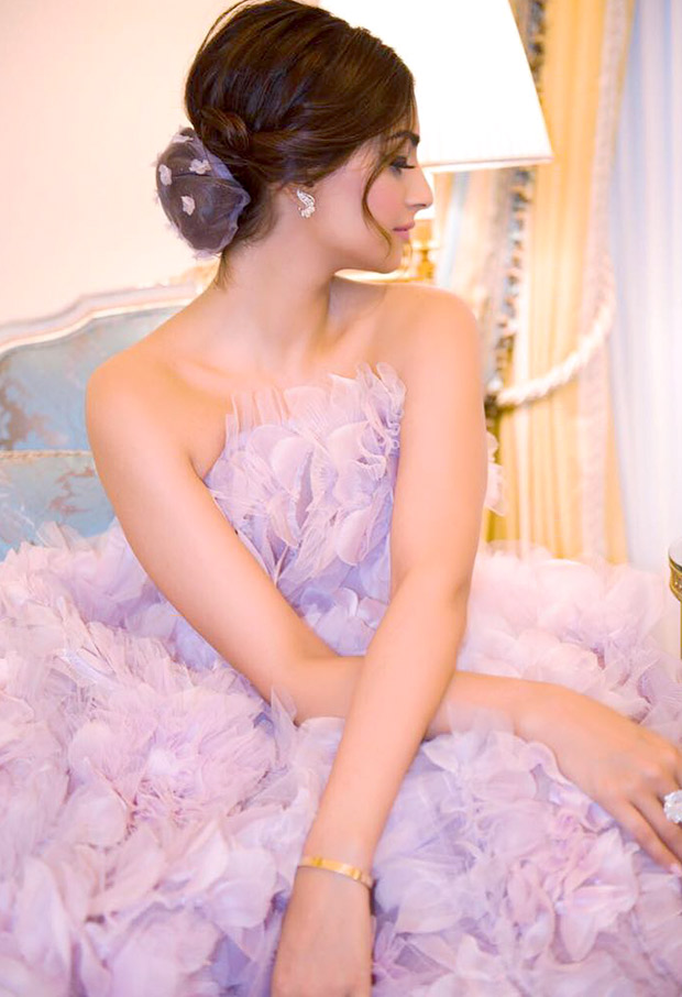 Sonam Kapoor stuns in a beautiful lilac gown at the Paris Couture Week after party-2
