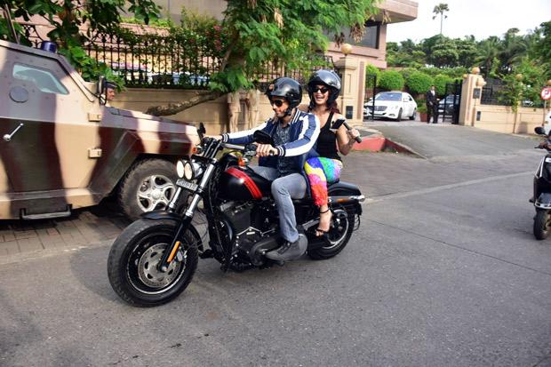 A Gentleman couple Sidharth Malhotra and Jacqueline Fernandez go on a bike ride in Mumbai-1