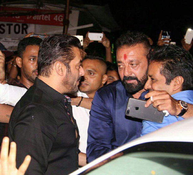 BHAI MEETS BABA Salman Khan and Sanjay Dutt hug it out during Ganpati celebrations at Ambani residence (1)