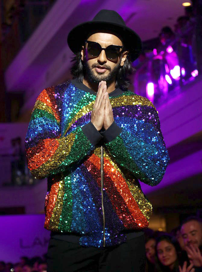 Check out Ranveer Singh added more sparkle and colour with his rainbow jacket at the Lakme Fashion Week 2017 (2)