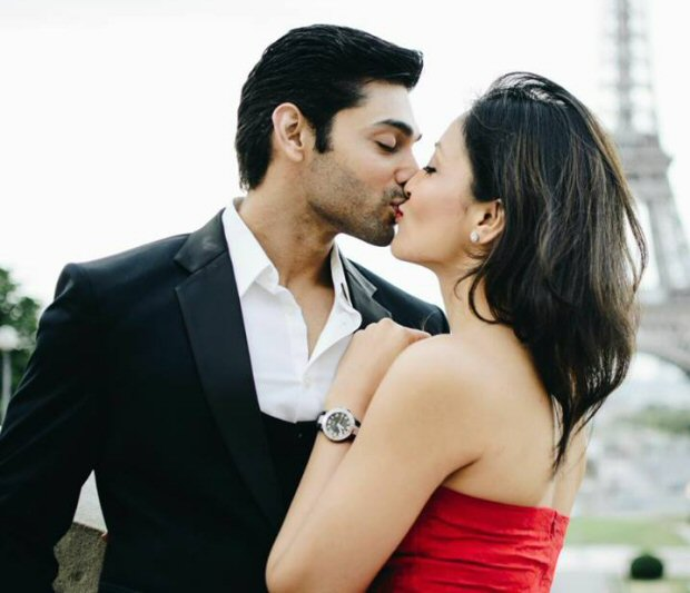 OMG! This picture of Ruslaan Mumtaz-Nirali Mehta kissing at Eiffel Tower will give you some major relationship goals
