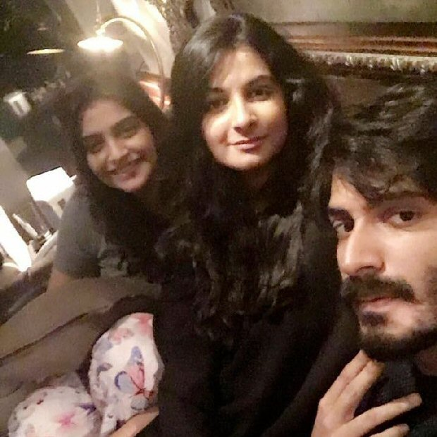 Siblings Reunite Sonam Kapoor-1