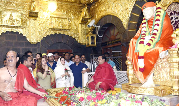 Check out Kapil Sharma visits the Shirdi Sai Baba Temple