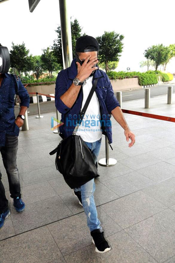 Shahid Kapoor shaves off his beard-01