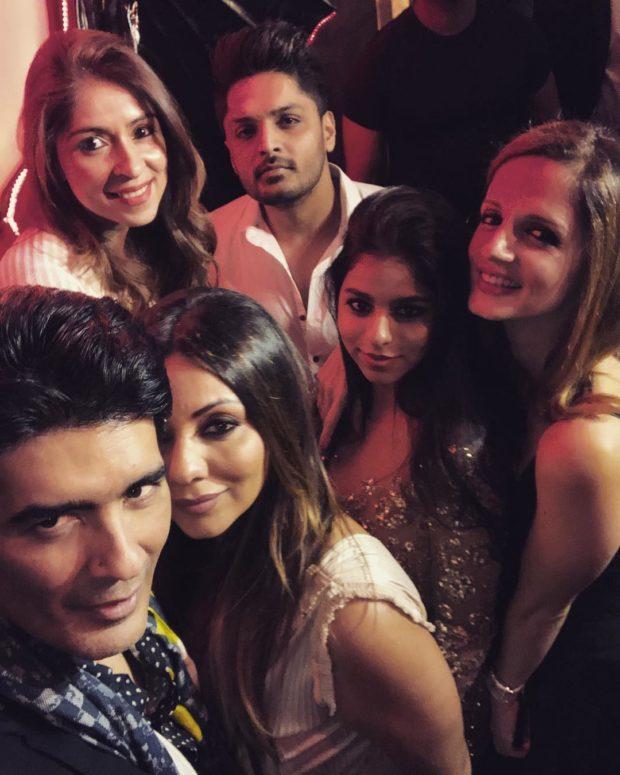 Suhana Khan dazzles (2)