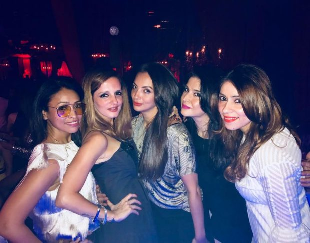 Suhana Khan dazzles (5)