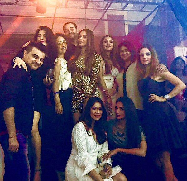 Suhana Khan dazzles (6)