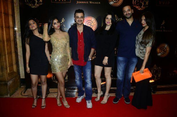 Suhana Khan dazzles (8)