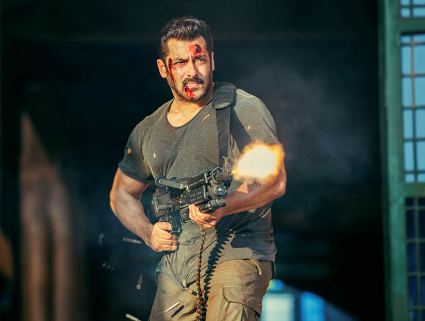WOW! Salman Khan fires 5000 cartridges from the very heavy MG 42 for Tiger Zinda Hai