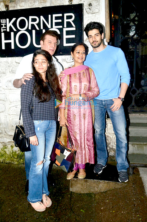 Best hang outs in the city to dine with Bollywood celebrities 3a