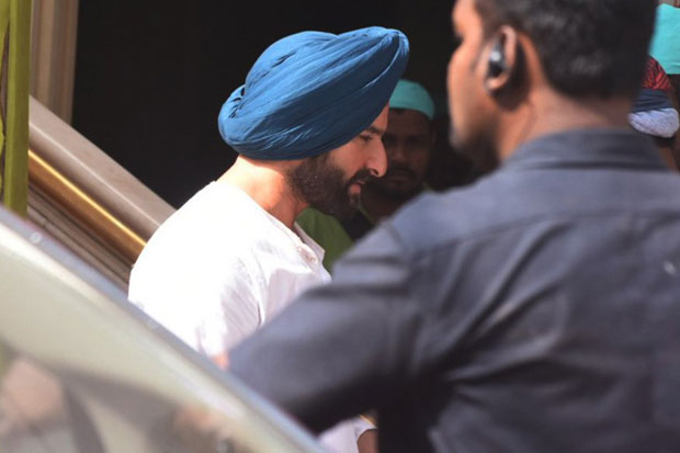 Check out Turban-clad Saif Ali Khan shoots for his Netflix show Sacred