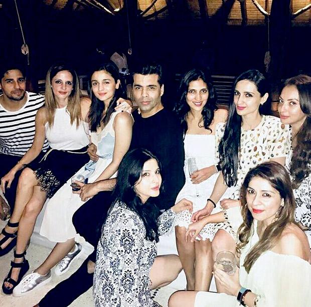 INSIDE PHOTOS Deepika Padukone, Katrina Kaif, Alia Bhatt, Karan Johar, Sidharth Malhotra and others at Shah Rukh Khan's grand birthday bash! (1)
