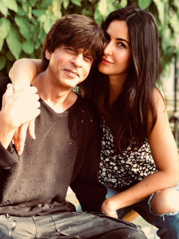 INSIDE PHOTOS Deepika Padukone, Katrina Kaif, Alia Bhatt, Karan Johar, Sidharth Malhotra and others at Shah Rukh Khan's grand birthday bash!-4