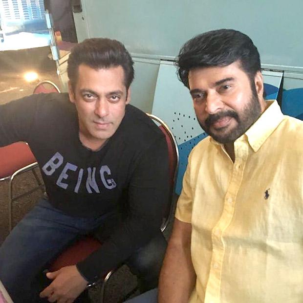 ISL 2017 Salman Khan clicks a selfie with Sachin Tendulkar, Katrina Kaif, Mammootty and Nita Ambani2