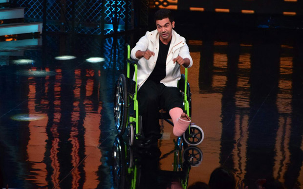 It was a riot on Lip Sing Battle with Hrithik Roshan, Kriti Sanon and Rajkummar Rao dancing together on stage (2)