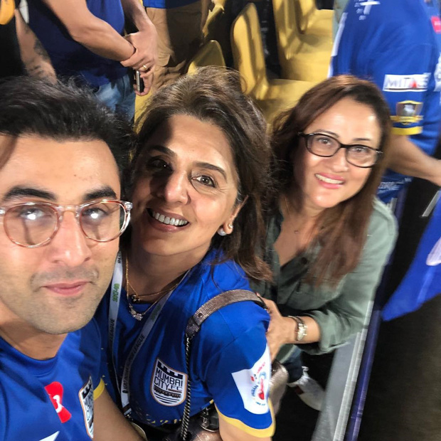 Neetu Kapoor shares an adorable selfie with son Ranbir Kapoor from the ISL match and it is sweet!