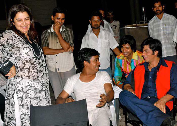 Shah Rukh Khan and 'Shantipriya' Deepika Padukone-7
