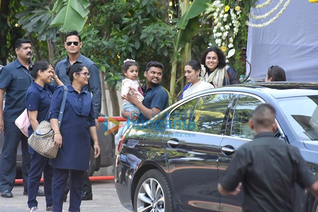 Spotted Aditya Chopra, Rani Mukerji and their daughter Adira ar meet