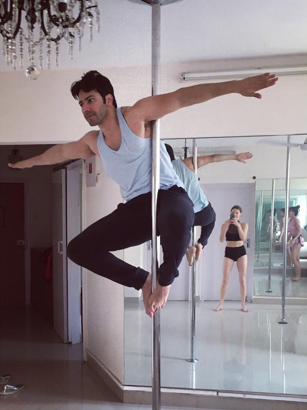 Varun Dhawan learns pole dancing from Jacqueline Fernandez (3)