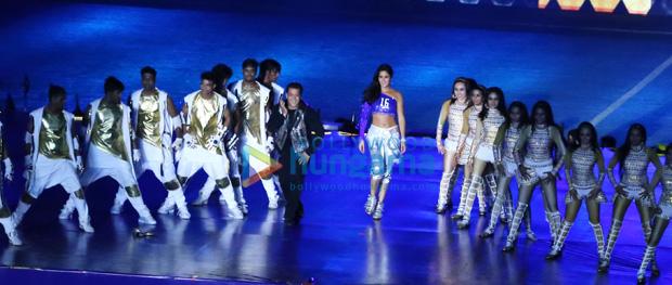 WOW! Salman Khan and Katrina Kaif rock the show at ISL's opening ceremony (8)