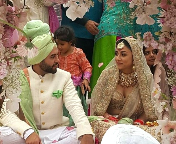 #2017Recap 10 Bollywood celebrities who had dreamy weddings in 2017-3