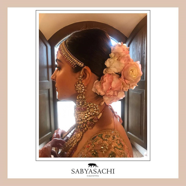 Anushka Sharma sets hearts aflutter as the exquisite Sabyasachi modern traditionalist bride! View Pics (7)