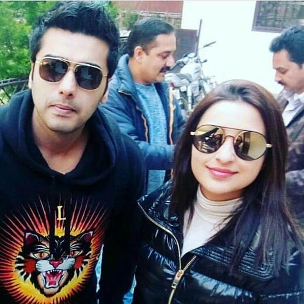 Check out Arjun Kapoor sports a clean-shaven look with Parineeti Chopra for Sandeep Aur Pinky Faraar