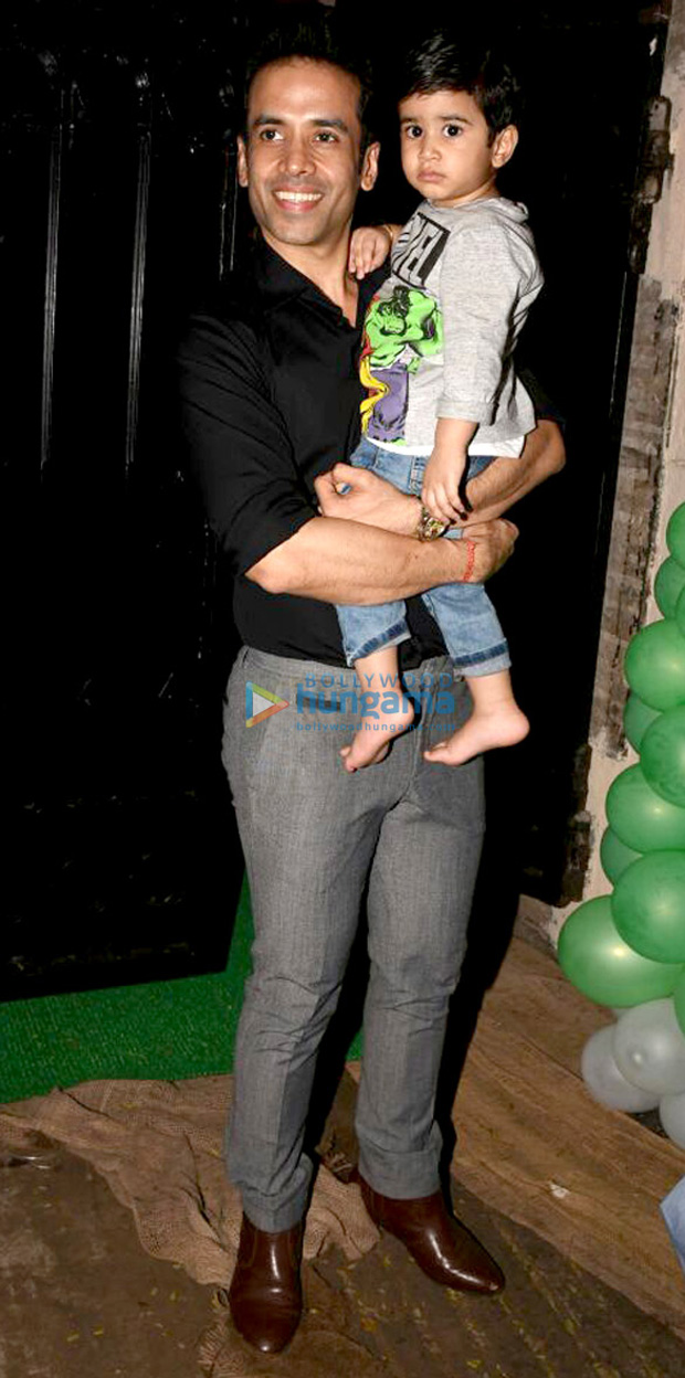 Check out Karan Johar's twins Yash and Roohi have a blast at Tusshar Kapoor's son Laksshya's Christmas party (3)