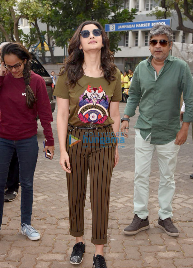 Daily Style Pill Alia Bhatt just gave the mixed prints trend a punk upgrade and we LOVE it! (3)
