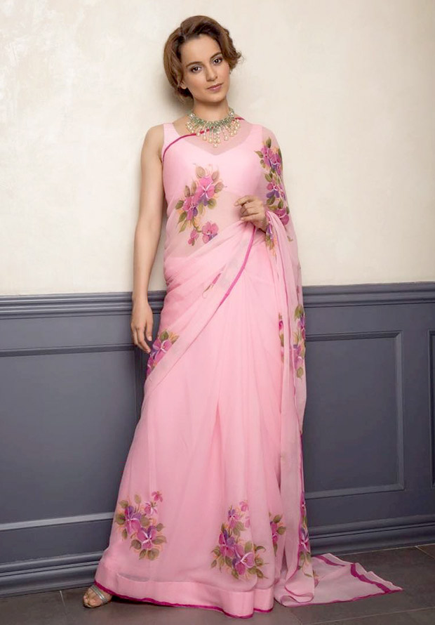Daily Style Pill Kangana Ranaut has a flirty affair with a hot pink chiffon saree and here's why we love it! (1)