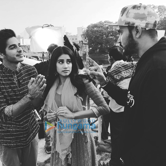 Dhadak Sridevi supports daughter Janhvi Kapoor on her first day of the shoot in Udaipur!
