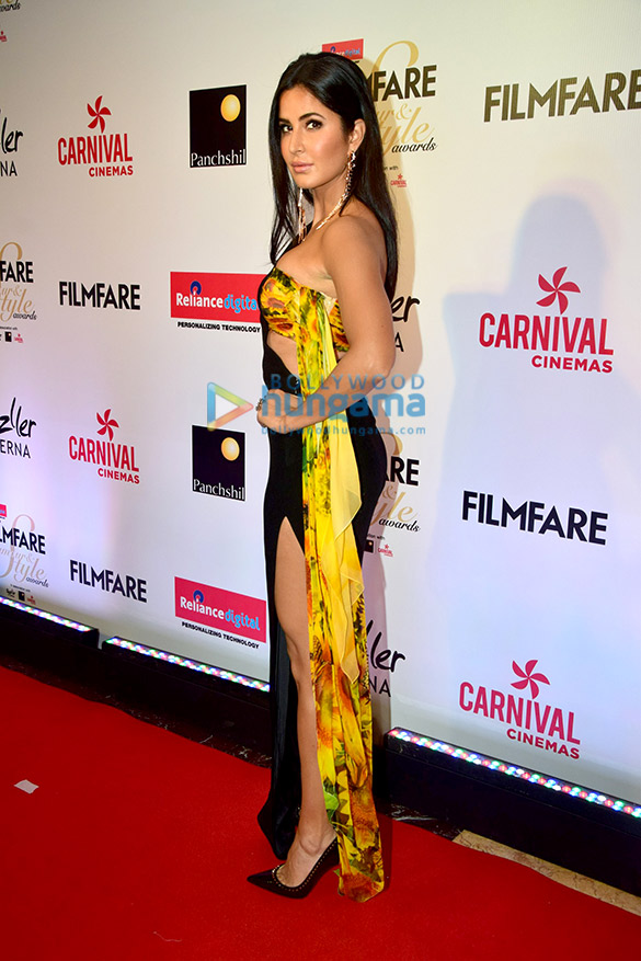Here's what your favourite female stars wore at Filmfare Glamour and Style Awards 2017 (1)