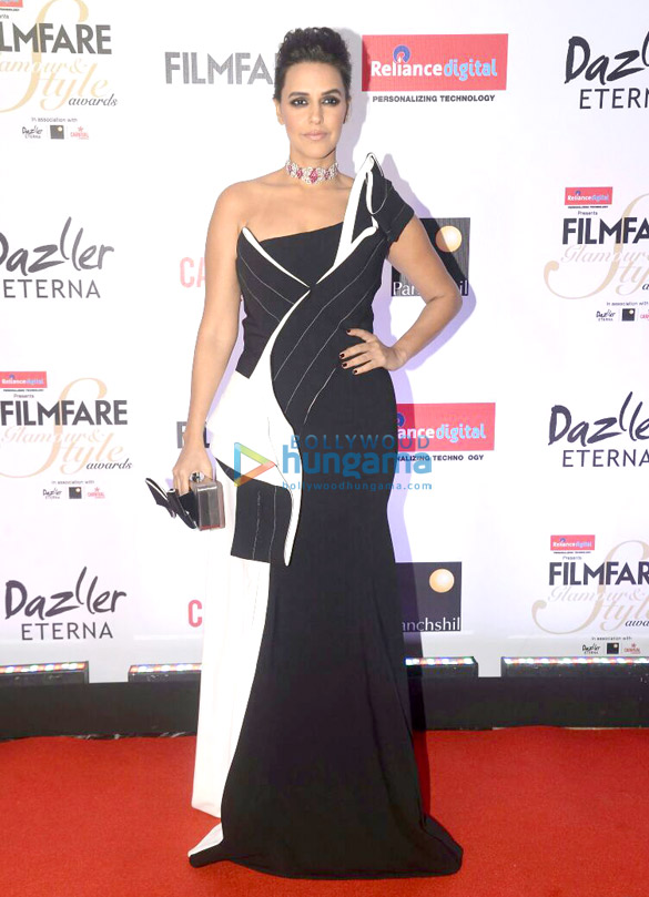 Here's what your favourite female stars wore at Filmfare Glamour and Style Awards 2017 (14)