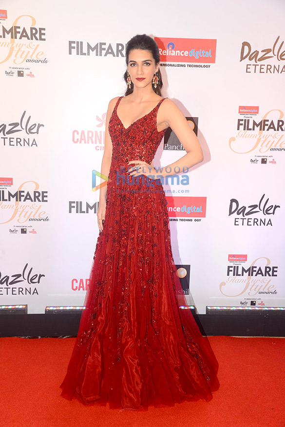 Here's what your favourite female stars wore at Filmfare Glamour and Style Awards 2017 (5)