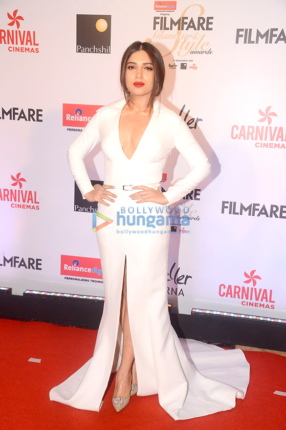 Here's what your favourite female stars wore at Filmfare Glamour and Style Awards 2017 (9)